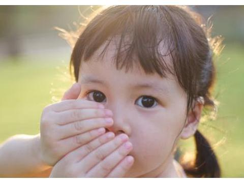 """孩子对黑色食物有恐惧?克服""""特殊食物恐惧症"""",试试这两招"""