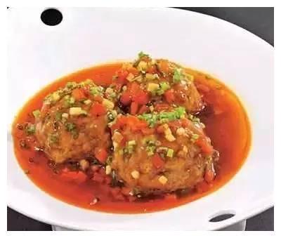 精选美食:素菜焖面、鱼香狮子头、红三剁、豌豆肥肠的做法