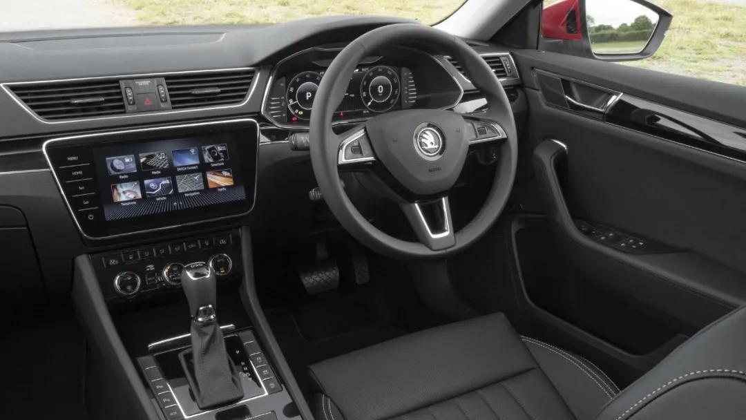 混动车型的新宠 外媒体验斯柯达Superb iV/Superb Combi iV