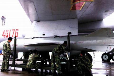 鹰击-6空射反舰导弹—让中国空军首次具备超视距攻击能力