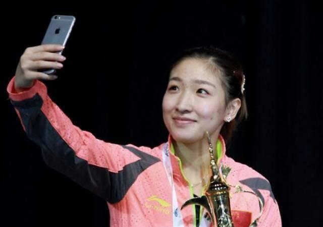 妈妈是她启蒙老师,今成国乒强者,28岁一成就笑傲国际乒坛