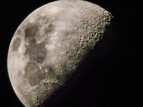 3个证据表明,月亮真不是你想象的那么简单,它可能是空心的
