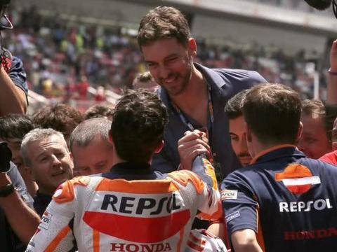 MotoGP冠军马奎兹与NBA球星保罗-加索尔开启居家直播