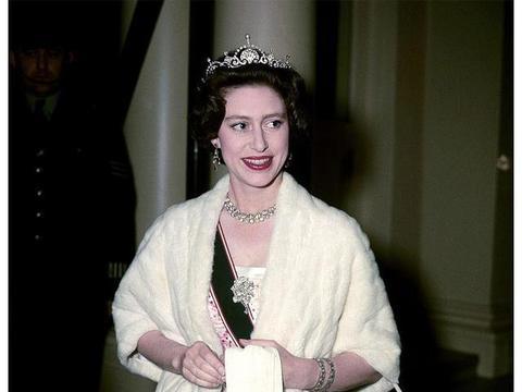 玛格丽特公主,英国王室50年代最美丽的女子,这组老照片足以见证