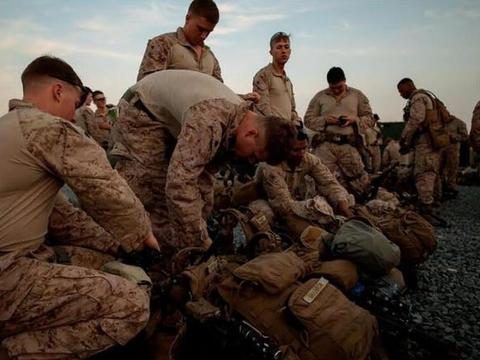 美国要扔下烂摊子跑路了,不止砍对阿富汗军援,连经援都要压缩了