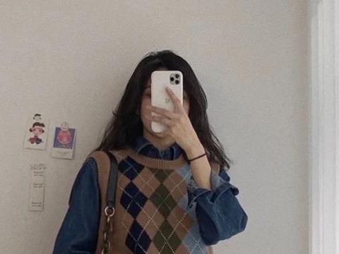 冬季穿搭如何避免臃肿?将简约单品穿出质感,保暖又有时尚范