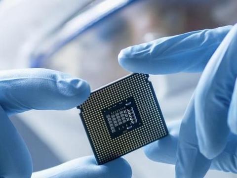 中国芯片市场规模达3104亿!美国9大组织反对美国调整芯片出口