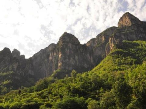 """中国最神秘村庄,""""井底""""生活数百年,今凭原生态环境成旅游景点"""