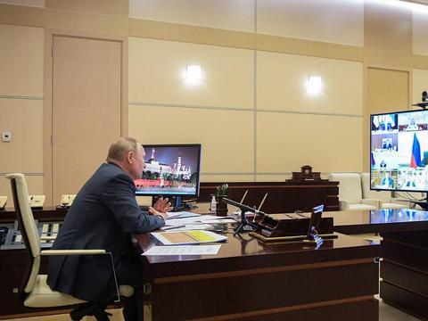 克宫:普京不去人员密集场所 见他需接受新冠病毒检测