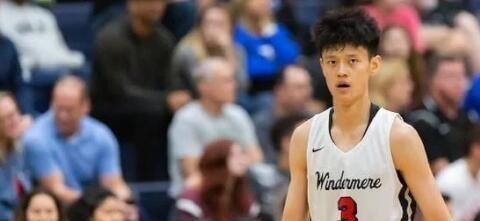 中国男篮锋线又出天才!身高2米06,17岁获美职篮认可!