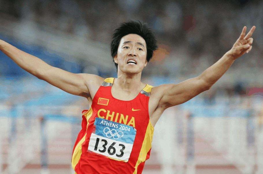 张国伟退役屡次反转,折射中国体坛现实,刘翔退役耗时整整3年