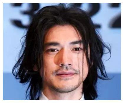 一头长发的男星,金城武第5,郑伊健第2,最终都输给了郭德纲