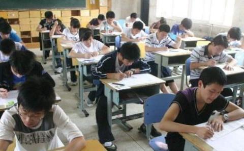 当年那个为了考上大学,去偷高考试卷的学生,后来他怎样了?