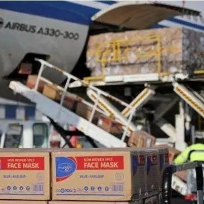 这新闻让法国人都看傻了:从中国买的一飞机口罩运不回去了!