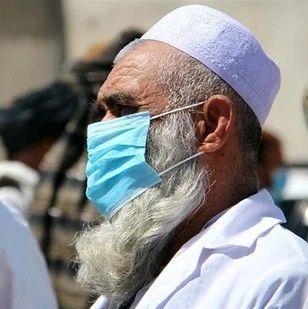 左手消毒水右手AK:塔利班宣传防疫 呼吁戴口罩勤洗手