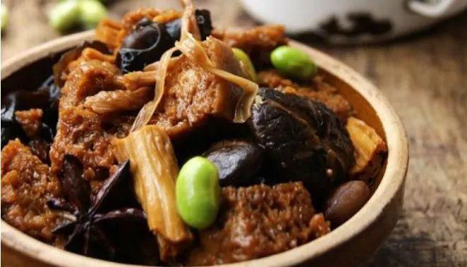 黄花菜的食用法,这样的黄花菜营养丰富又全面,越吃越爱吃