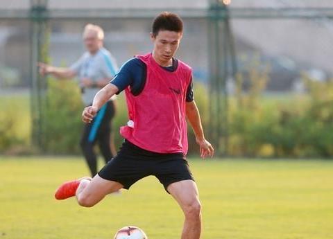 足协终于做出决定,归化年纪再破纪录,国青将迎来最强核心!