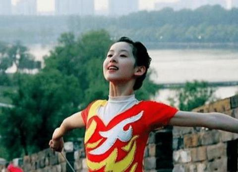 章泽天6年前跳操生图曝光,清纯可人,网友:少女感快溢出来了