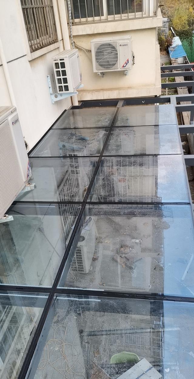 封露台玻璃房,这么多材质做比较,还是喜欢最后一款