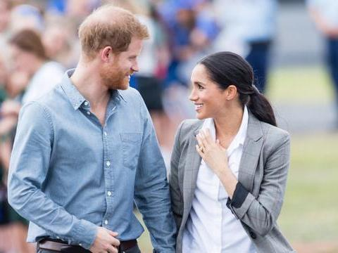皇室专家称,哈里王子迟早会后悔,他与梅根退出皇室!