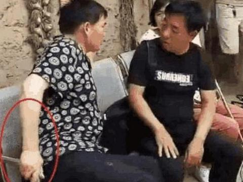 李玉刚的老家:如今还是住在土房里