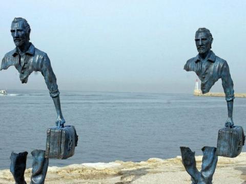 世界上最不可思议的5座雕塑,网友:这是违背了物理定律?