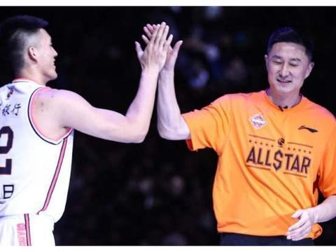 续约成定局?易建联替补成球队代言人,朱芳雨打造新一代网红球星