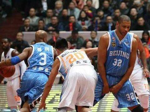 完整回归:马布里莫里斯率领北京四年三冠历程,王牌组合闪耀CBA