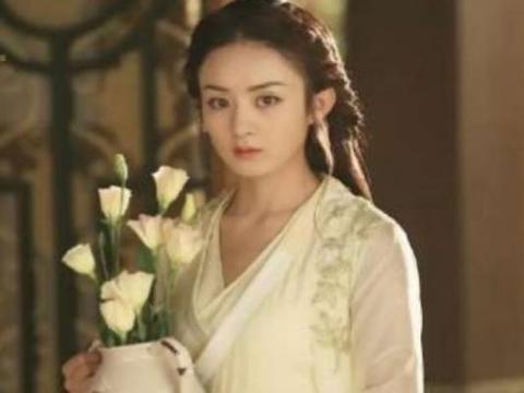 古装剧里手持鲜花俊男美女:刘亦菲灵动,赵丽颖干练,他最经典!