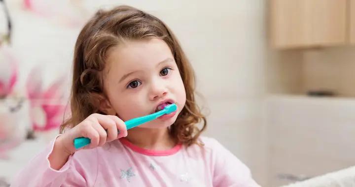 宝宝几岁刷牙最合适?不是一岁两岁,而是这个时间,家长要记得