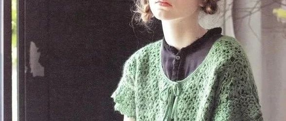 春天配裙子就该这么穿!教你编织小清新钩花马甲