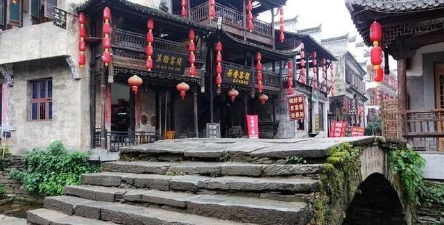 """江西婺源有座千年古村,被誉为""""江西乌镇""""景区"""