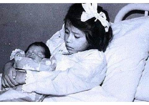 世界最小母亲:秘鲁5岁女童生下男婴,10岁前儿子一直叫她为姐姐