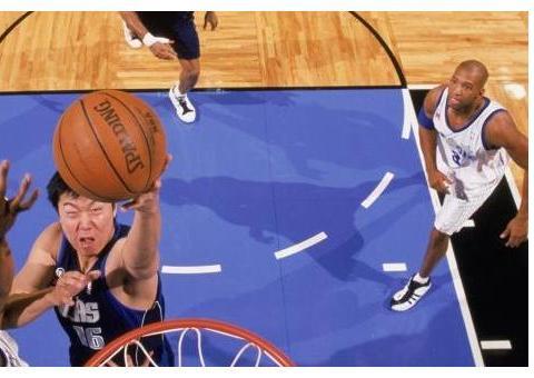 中国球员NBA巅峰一战:易建联29+10,王治郅21+6,那姚明呢?