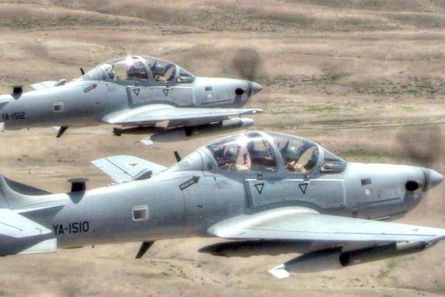 非洲传出一个坏消息,一架攻击机执行任务时坠毁,2名飞行员遇难