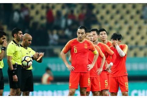为什么中国足球如此差,看看国足的表现,我们就明白了