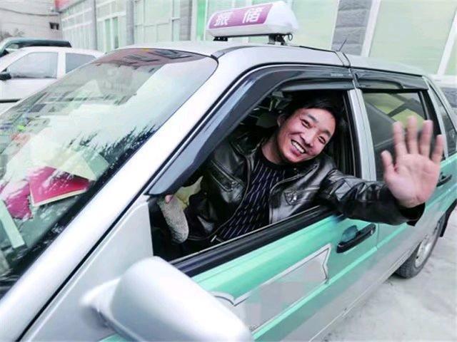 明明自动挡很方便,为啥出租车却不用?司机:开那破车怎么挣钱?