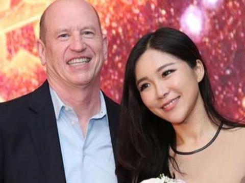 她誉为中国卡戴珊,曾被哈登多次偷瞄