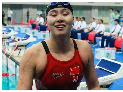 为啥女性游泳运动员,赛前要刮毛,赛后要冲澡?原因很无奈