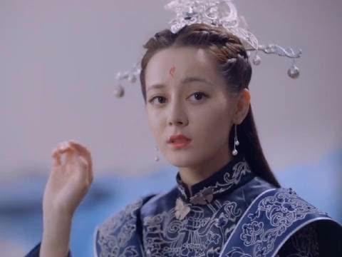 凤九穿过的三套婚服,最后一套和帝君是情侣装