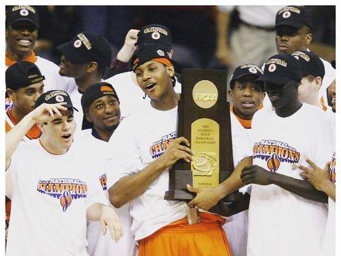 大一时期安东尼单核率队夺NCAA总冠军,进了NBA却变成了苦瓜