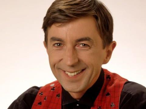 加拿大首位演员因新冠去世,早上发烧,晚上死亡