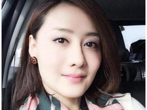 她曾让琼瑶苦等三年,被大14岁周星驰追求国,今不演戏卸妆不出门