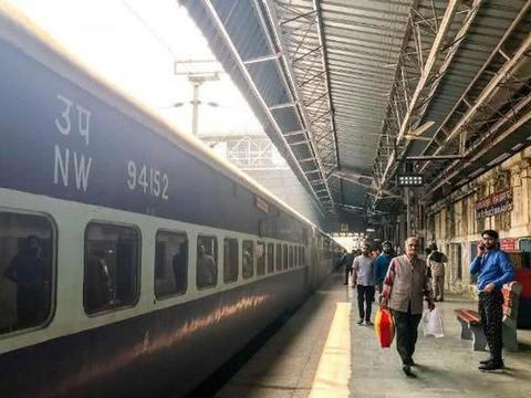 印度发明太阳能火车,印度网友拍手称赞:技术已赶超中国