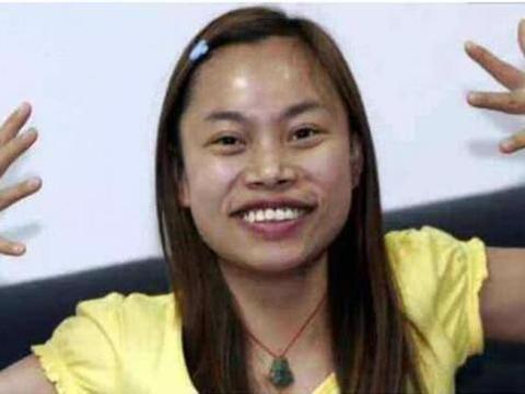 美国病例达到40万,声称打死都不回中国的凤姐,在美国怎样?