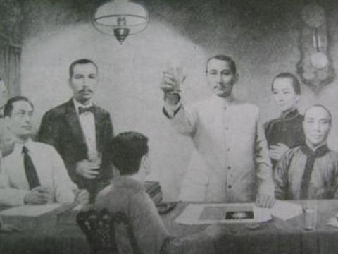 民国外交官想在巴黎和约上签字,为何被一女子,用玫瑰花枝逼停