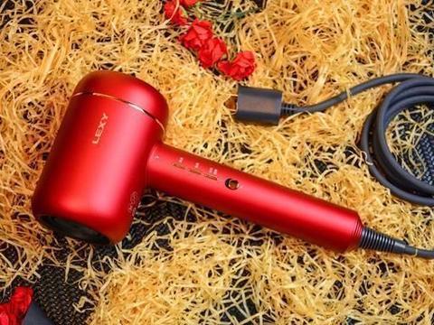 高颜值高科技高性能全具备,莱克吹风机护发靠实力