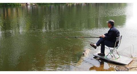 10年老钓友的经验之谈,野钓时的小技巧,你知道几个?