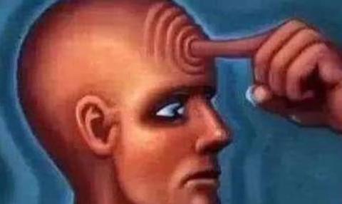 """用""""锐器""""靠近额头中间,即使闭眼也会感到不适,真有第三只眼吗"""