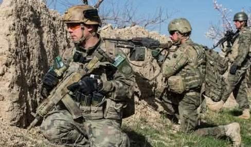 斩首行动突然打响,美军军官遭伏击被活活打死,装甲车被打爆